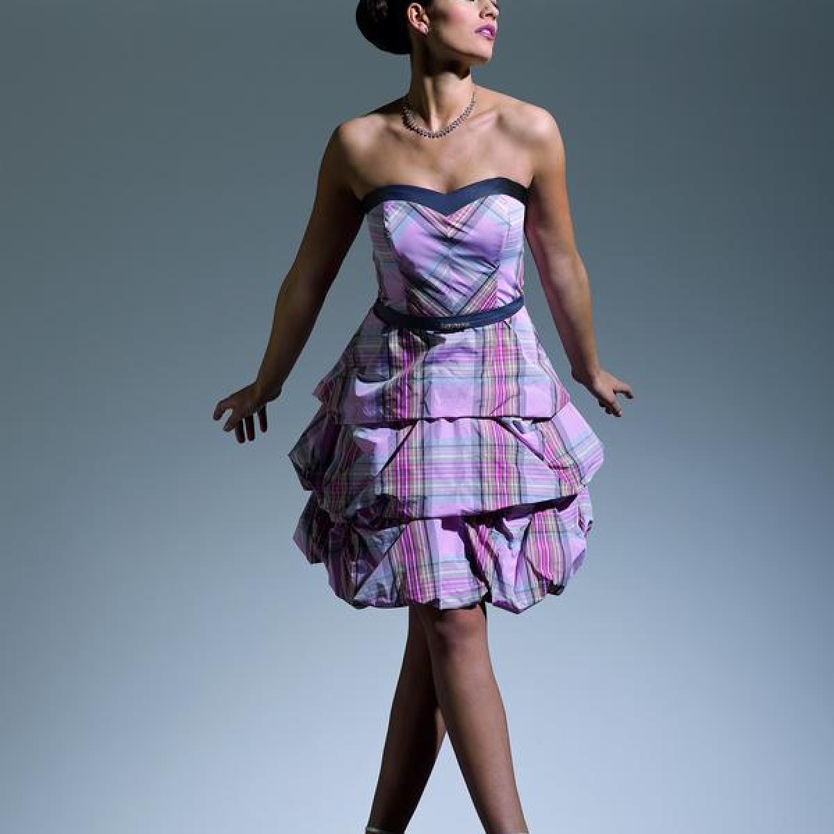 Mode: Alle gleich: Outfits für Brautjungfern - Themenwelten ...