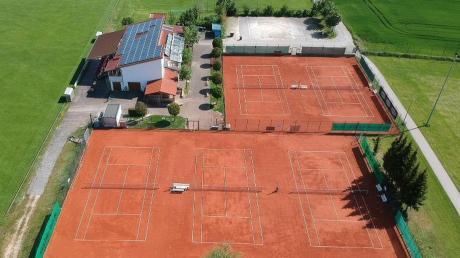 Die Tennis-Anlage des TSV Offingen bietet genügend Platz, um die wegen der Corona-Krise verhängten Abstandsregeln einzuhalten.