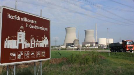 Aus Deutschland, Österreich, der Schweiz und Frankreich kommen die Externen nach Gundremmingen.