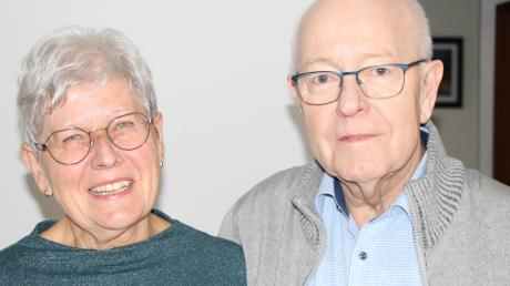Das Ehepaar Hungbaur aus Wertingen kümmert sich gemeinsam mit anderen darum, dass Menschen Gemeinschaft erleben können. Luise Hungbaur ist Sprecherin des Vorstandsteams des Frauenbunds und Theo Hungbaur seit vielen Jahren Vorsitzender des Altenwerks.