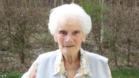 Rozina Tomici wohnt im Burgauer Seniorenheim und hat in ihrem Leben vieles erlebt. Nun feiert sie ihren 100. Geburtstag.