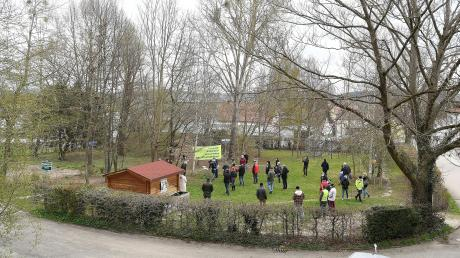 Über dieses Stück Grün in Burgau wird diskutiert. Kürzlich wurde gar für den Erhalt demonstriert.