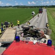 Vier Personen wurden bei diesem Unfall in Dirlewang leicht verletzt.