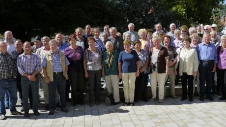 Die Veteranen aus Egling-Heinrichshofen erfuhren viel über die Geschichte der Sudetendeutschen aus Gablonz, die nach der Vertreibung im Kaufbeurer Ortsteil Neugablonz den Neubeginn schafften.
