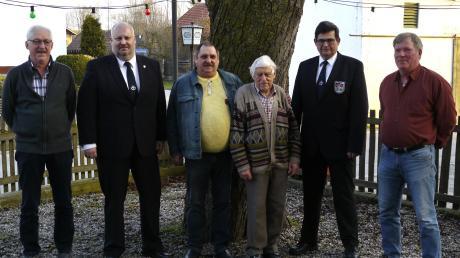 Der Vorstand des neu benannten Vereins. Von links: Andreas Berchtold, Peter Kaiser, Eduard Leonhard, Isidor Doll, Dieter Steininger, Willi Mayr.