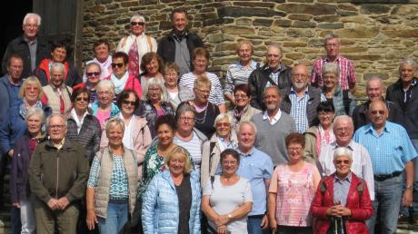 Der Landsberger Gesangverein Frohsinn unter der Leitung von Ludmilla Wachs (zweite Reihe, Dritte von links) unternahm eine dreitägige Reise ins westliche Erzgebirge.