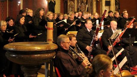 Landsberger Chorsänger führten das Mozart-Requiem zusammen mit Prager Sängern und Musikern auf.