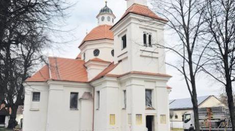 Mit dem neuen Dach und der restaurierten Fassade sieht die Marienkapelle schon ganz schön aus. Das Außengelände wird nun ebenfalls noch überplant.