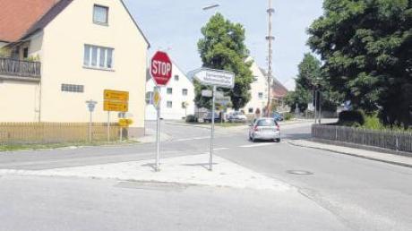 Über die gefährliche Hauptstraße (Bild) in Zusamaltheim wird derzeit diskutiert. Aber auch über eine mögliche Umgehung. Der Gemeinderat will darüber kurzfristig keine Entscheidung treffen.