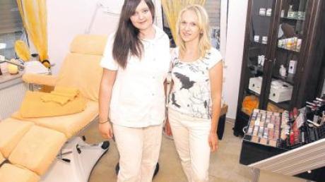 Esther Darouich (l.) und Doreen Resag legen Wert auf Qualifikation und optimale Kundenbetreuung in der Beauty-Oase.