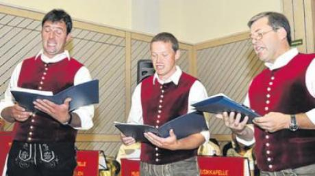 Der Bocksberger Viergesang präsentierte sich zu dritt. Von links Uli Geh, Anton Stuhler und Armin Langenmair.