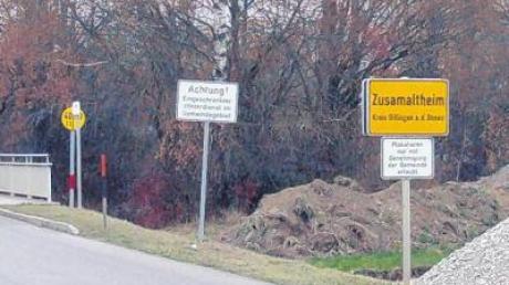 Um dieses Ortsschild in Richtung Marzelstetten diskutierte der Gemeinderat Zusamaltheim.