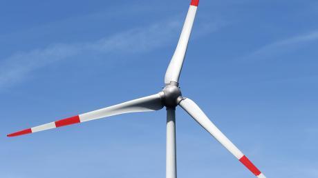 Soll in Amerdingen der Bau eines Windrades möglich sein oder nicht? Der Regionale Planungsverband Augsburg hat eine Vorbehaltsfläche vorgeschlagen, jetzt muss der Gemeinderat dazu seine Stellungnahme abgeben.