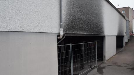 Feuerteufel schlägt wieder in Dillingen zu . Unbekannter zündete am 13. März einen Audi Q7 in der Tiefgarage beim Müller-Markt an.Am Donnerstag, 23. März, wurden drei Autos in einer Tiefgarage an der Großen Allee angezündet.