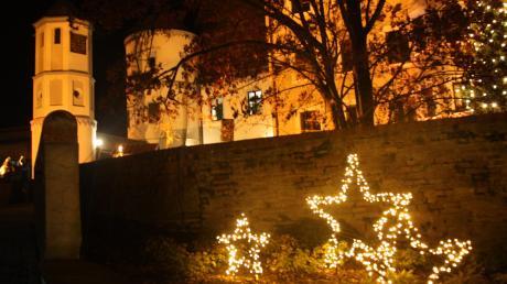 Die Schlossweihnacht in Wertingen 2019 läuft an zwei Wochenenden im Dezember. Hier gibt es die Infos rund um Start, Termine und Öffnungszeiten.