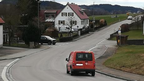 Die Staatsstraße in Sontheim ist nach Ansicht des Gemeinderates mit einer unzureichenden Deckschicht ausgestattet.