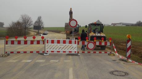 Die Staatsstraße 2027 wird vom Donnerstag, 7. März, bis voraussichtlich Ende April für Bauarbeiten gesperrt. Grund ist das gute Wetter.