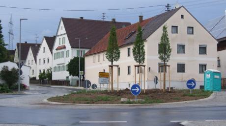 Im Rahmen der Dorferneuerung wird der Dorfplatz in Zusamaltheim neu angelegt.