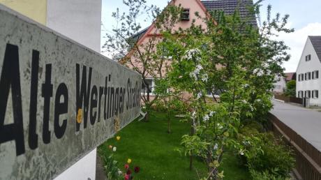 """Zusamaltheim hat einiges vor. Die Sanierung der Alten Wertinger Straße ist mit knapp 600000 Euro das mit Abstand größte Projekt im Haushalt der Kommune, der jetzt verabschiedet wurde.  """"Der Straßenausbau kann nicht mehr umgelegt werden."""""""