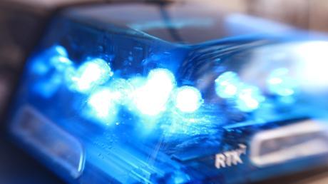 Ende März haben Unbekannte in Filzingen Teile von abgestellten Traktoren abmontiert und gestohlen. Nun hat die Polizei die Täter ermittelt.