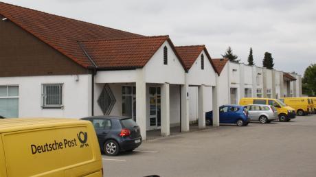 Das ehemalige Supermarkt-Gebäude an der Industriestraße bekommt ein weiteres Stockwerk mit Wohnungen und einen Anbau.