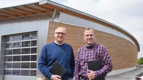 Die neue Logistik- und Lagerhalle der Firma Gumpp & Maier an der Binswanger Umgehung ist ein Blickfang. Gewerbebauten dürfen auch gut aussehen, sagten die beiden Geschäftsführer Alexander Gumpp (links) und Josef Maier.