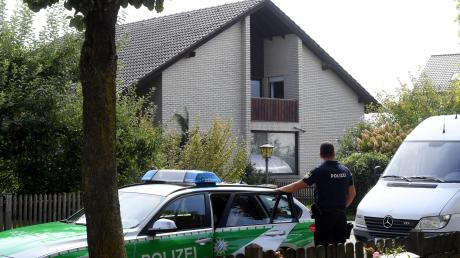 Von seinem Balkon hat der Nordendorfer auf zwei Unbekannte geschossen. Er steht daher jetzt vor Gericht.
