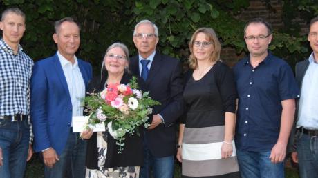 Fast 37 Jahre lang war Rosmarie Rogall (Dritte von links) im Kindergarten Gottmannshofen aktiv. Nun geht sie in Rente.