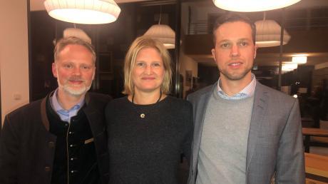 AfD-Landtagsabgeordneter Ulrich Singer (links), die AfD-Fraktionsvorsitzende im Bayerischen Landtag, Katrin Ebner-Steiner, und Fraktionsgeschäftsführer Christoph Maier kamen zum Bürgerdialog nach Wertingen.