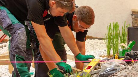 Ganz exaktes Arbeiten war angesagt bei den Weltmeisterschaften der Berufe im russischen Kasan. Julian Maier aus Laugna (links) und Niklas Stadelmayr aus Tapfheim vertraten dort in diesem Jahr Deutschland.
