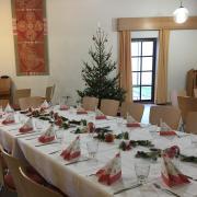 Wer sich an Heiligabend nach Gesellschaft sehnt, dem stehen dieses Jahr erneut die Türen des Wertinger Pfarrheims offen.