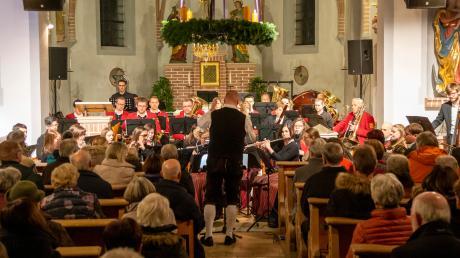 Mit einem faszinierenden Konzert ließ der Musikverein Blaskapelle Unterthürheim sein 60-jähriges Jubiläumsjahr in der Pfarrkirche Maria Hilf ausklingen.