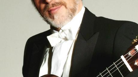Der Gitarrist Roberto Legnani konzertiert am Sonntag, 9. Februar, in der Alten Synagoge Binswangen.