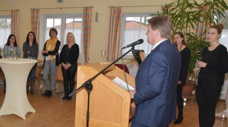 Bürgermeister Johann Gebele begrüßte die Ehrenamtlichen, Neubürger und 18-Jährigen der Gemeinde Laugna zum Neujahrsempfang. Er dankte ihnen für ihr Engagement beziehungsweise äußerte die Hoffnung auf ihr Mitwirken in der Gemeinschaft.