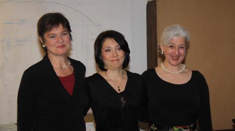 Gelungener und viel beklatschter Liederabend im Wertinger Kunstkanal mit (von links) Sopranistin Carola Bach, Pianistin Eva Marsagischwili und Mezzosopranistin Ursula Maria Echl.