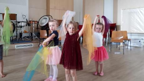 So sieht es aus, wenn die Kinder des Musikgartens in Aktion sind.