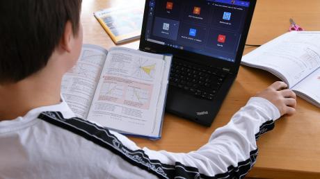 Ein strukturierter Tagesablauf ist beim Homeschooling wichtig.