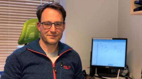Bastian Beck von der Wertinger OMV-Tankstelle macht auf die Nöte der Unternehmer aufmerksam.