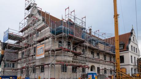 Die ehemaligen Ratsstuben, der linke Teil des Rathausgebäudes, werden umgebaut. Darin ist auch der Kaisersaal zu finden.