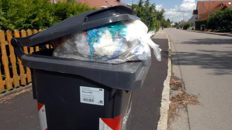 In Laugna hat das Müllauto in seltenen Fällen direkt die gesamte Tonne mitgenommen, nicht nur deren Inhalt.
