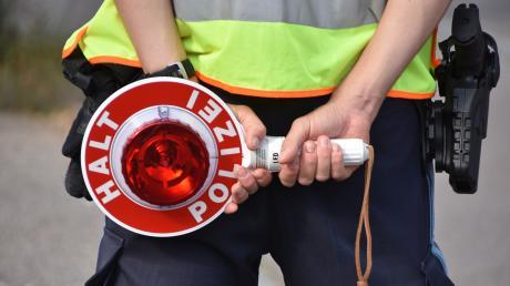 Die Polizei stoppte in Friedberg einen Jugendlichen mit seinem frisierten Mofa.