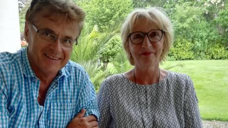 Nur allzu gut erinnern sich Siegfried und Annemarie Helmschrott aus Gottmannshofen an das Hochwasser von 1985. Die Zeitungsausschnitte des Tages haben sie alle aufgehoben, denn an dem Tag kam ihr erstes Kind zur Welt.