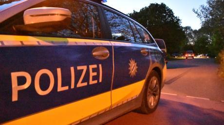 Die Polizei hatte es am Sonntag gegen 1.30 Uhr mit einem Randalierer in Lauingen zu tun.