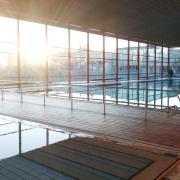 Das Wertinger Hallenbad öffnet am 1. November noch einmal für Schwimmerinnen und Schwimmer. Nächsten Sommer wird es dann saniert.