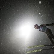 Der Pole Kamil Stoch dominierte im vergangenen Winter die Vierschanzentournee nach Belieben. Foto: Alexandra Wey/KEYSTONE