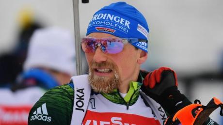 Der Biathlon Weltcup in Oberhof geht heute weiter mit den Herren und dem 10 Kilometer Sprint. Hier alle Infos zu Startzeit, TV-Übertragung, TV-Termin sowie wann das Rennen wo im TV, Fernsehen und Live-Stream zu sehen sein wird.