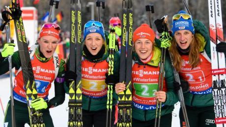 Denise Herrmann, Franziska Preuß, Laura Dahlmeier und Vanessa Hinz (l-r) wurden Dritte.