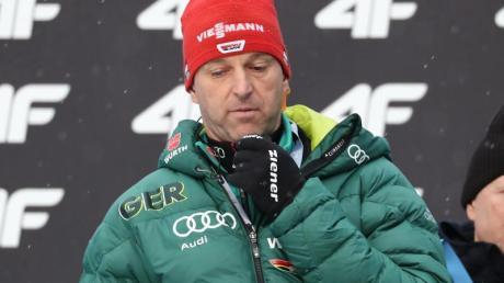 Werner Schuster geht mit sieben Skispringern beim Weltcup in Oberstdorf an den Start. Foto: Daniel Karmann