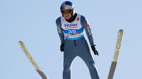 Derzeit nur in einer WM-Nebenrolle aktiv: Olympiasieger Andreas Wellinger. Foto: Matthias Schrader/AP