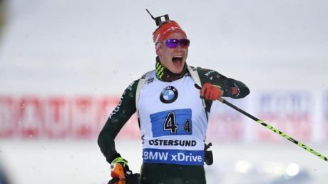 Ergebnisse und Sieger bei der Biathlon WM 2019 in Östersund: Benedikt Doll und die deutsche Männer-Staffel holten am Samstag die Silbermedaille.